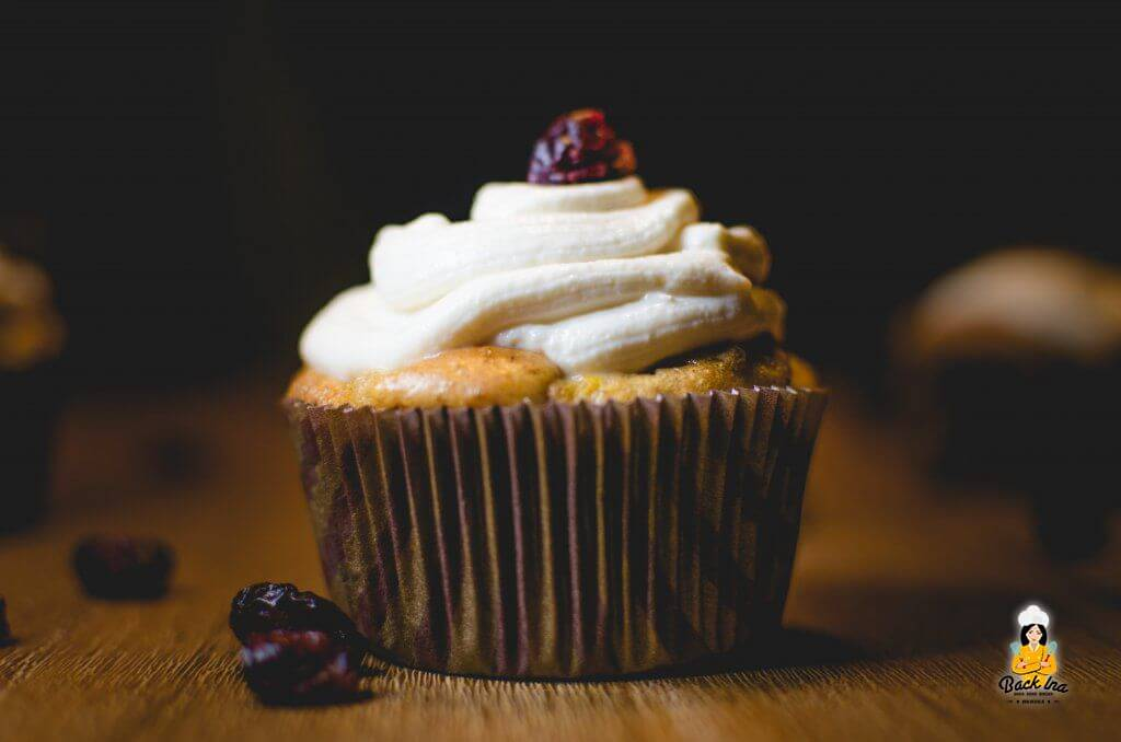 Protein Karotten Cupcakes mit Magerquark Frosting