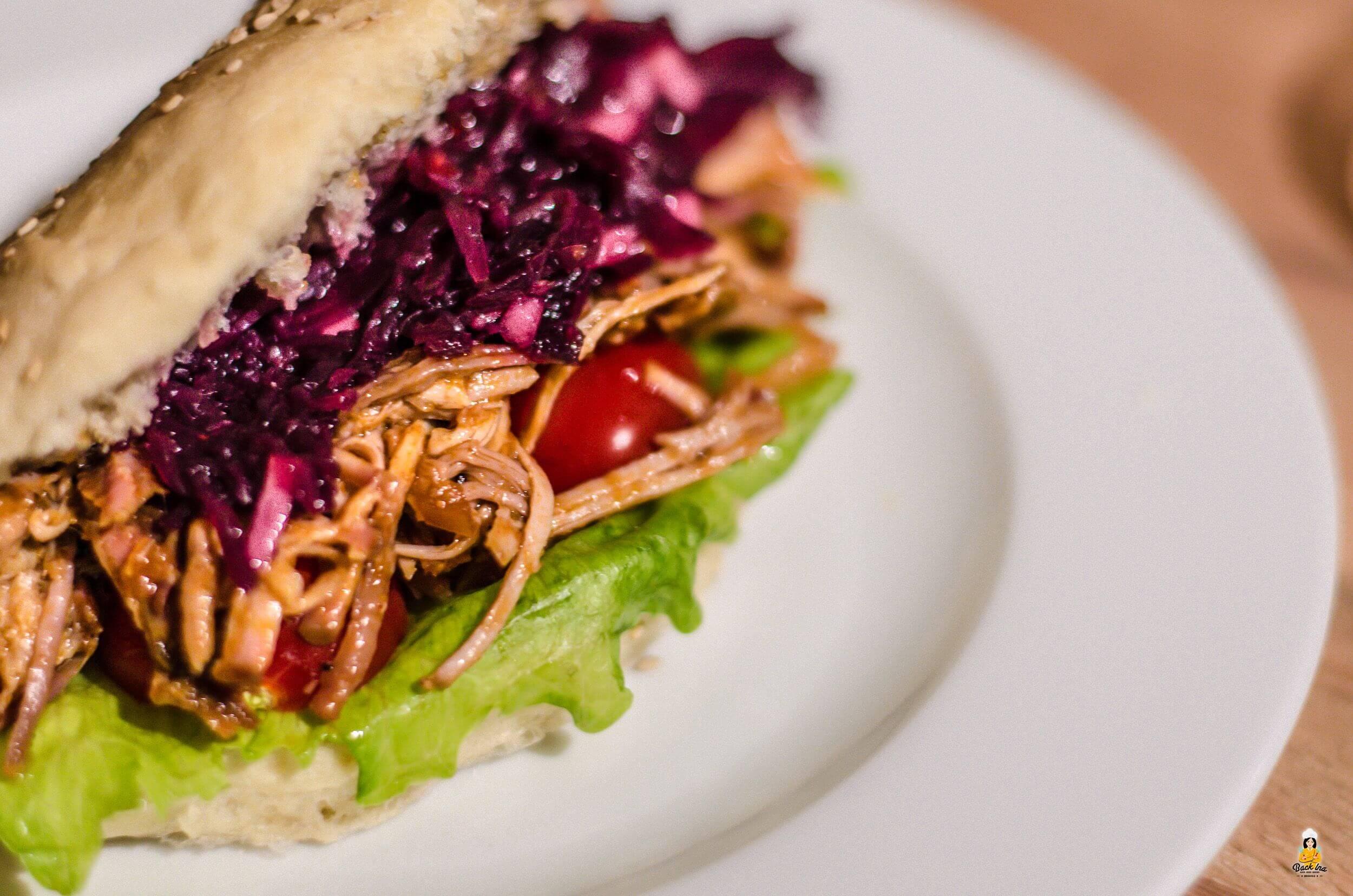Pulled Pork Burger aus dem Dutch Oven selber machen | BackIna.de