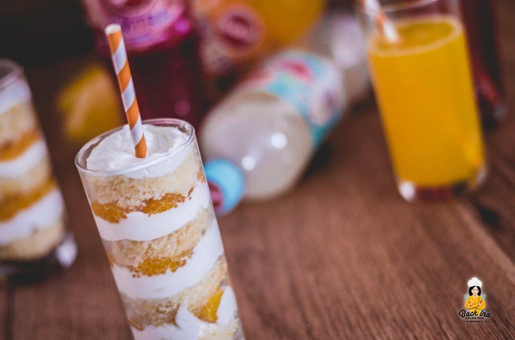 Dessert im Glas: Limokuchen, Orangen und Schmandcreme