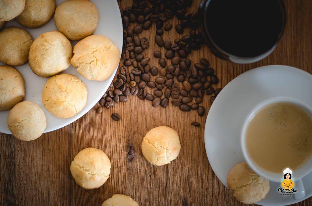 Amaretti selber machen: Rezept für italienisches Gebäck mit Mandeln