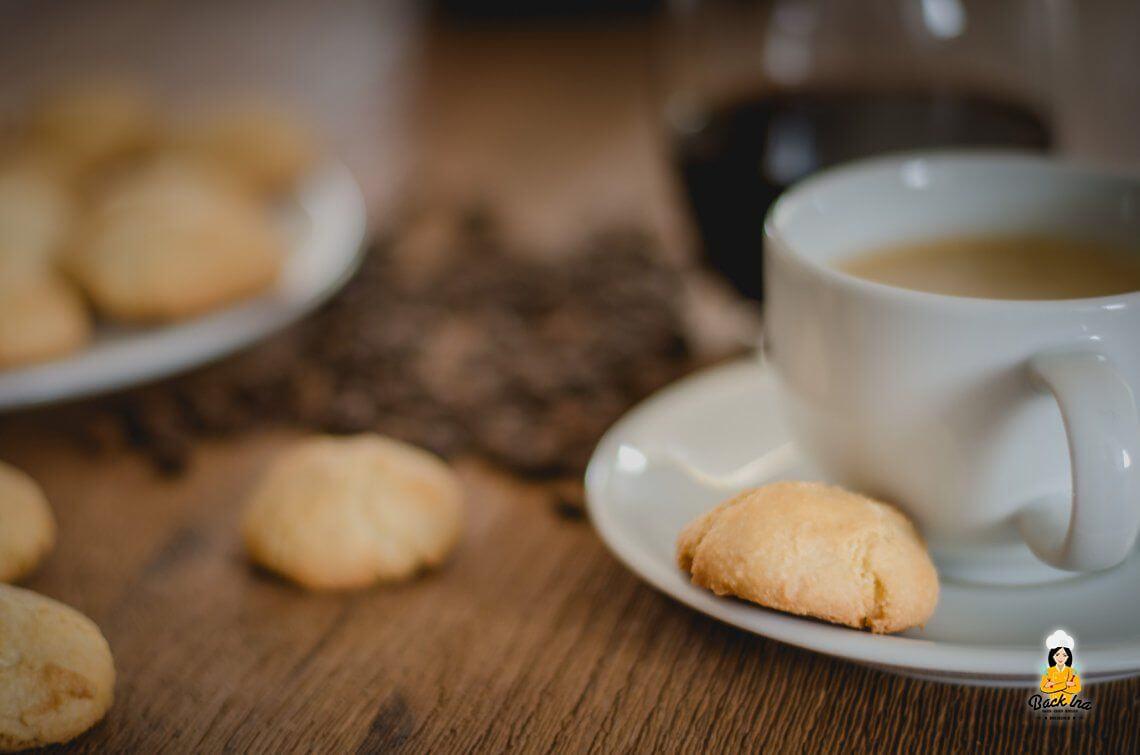 Zum Kaffee dazu (Weiche Amaretti selber machen)
