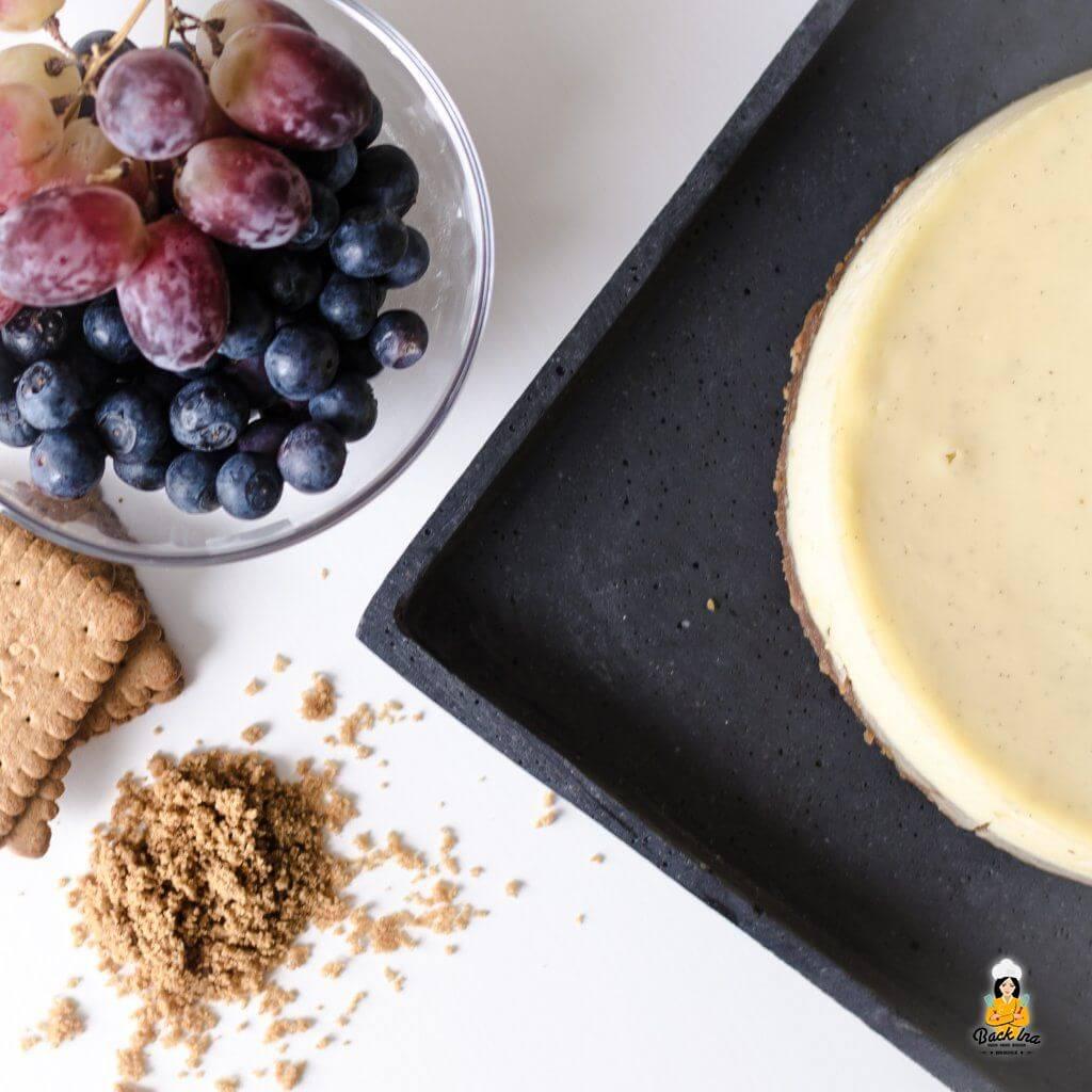 American Cheesecake: Käsekuchen mit Keksboden und Frischkäse in der Füllung