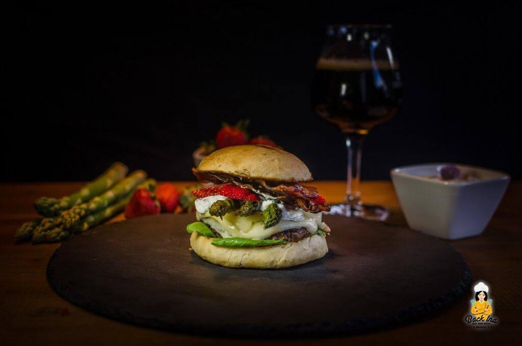 Spargel Burger mit Erdbeeren: Burger für den Frühling
