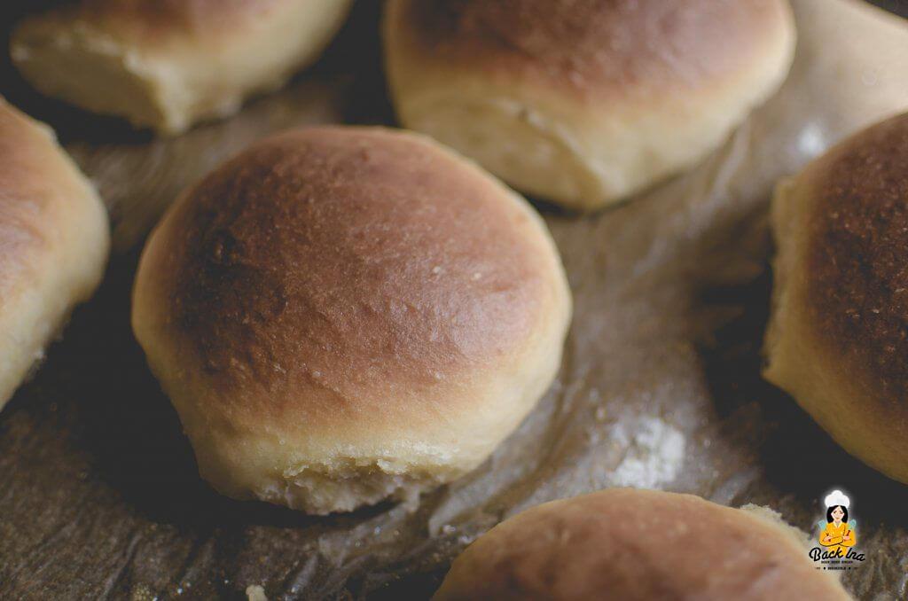 Klassische Burger Buns im amerikanischen Stil: Fluffig und saftig