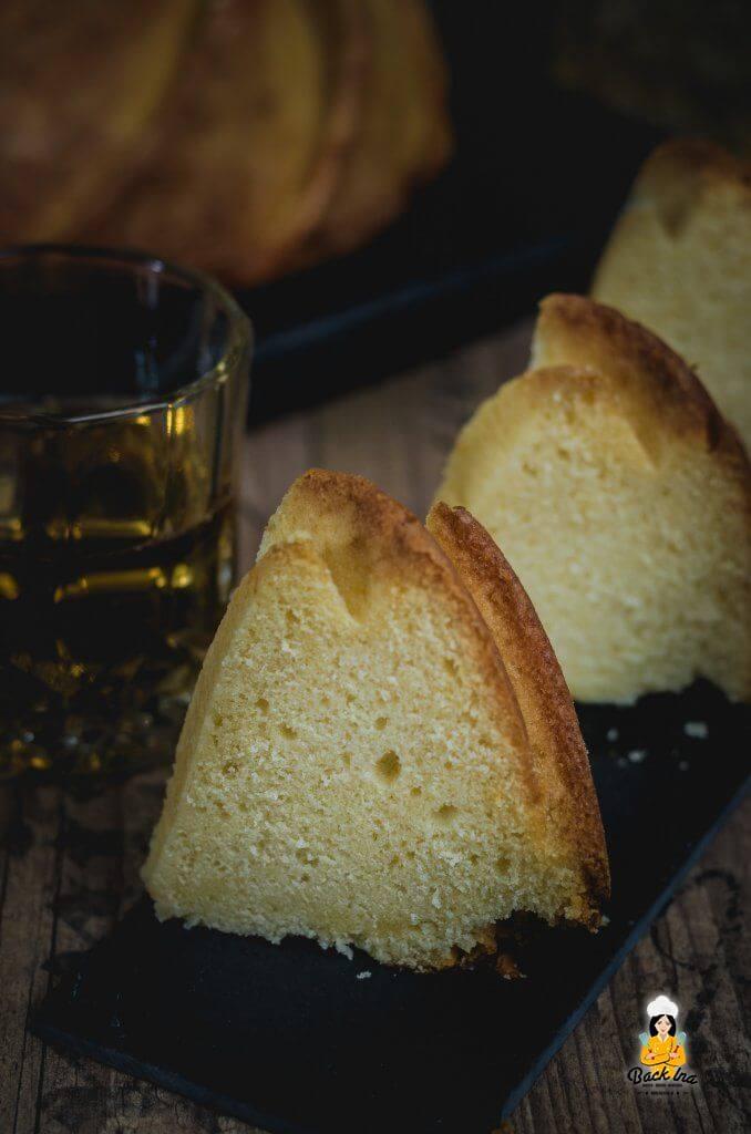 Super saftiger Gugelhupf: Whiskey Kuchen schmeckt ähnlich wie Eierlikörkuchen