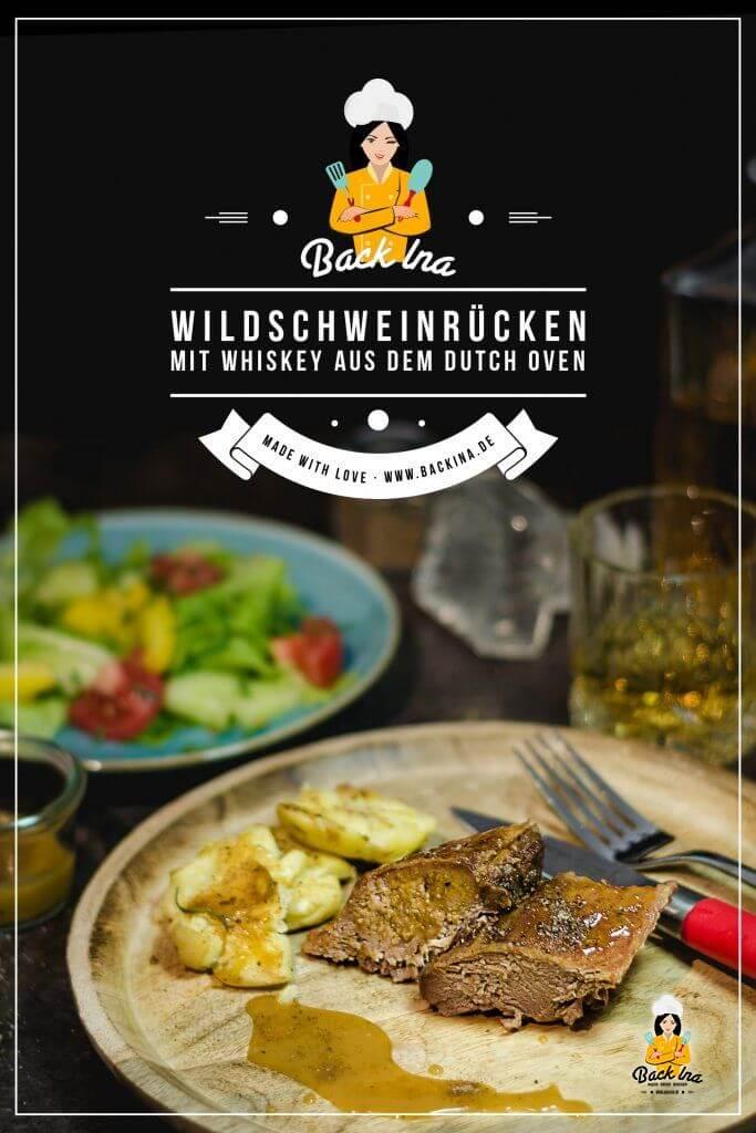 Du kannst Wildschweinrücken bekommen? Dann solltest du diesen super leckeren Wildschwein Braten aus dem Dutch Oven zubereiten! Das Wildschwein-Fleisch wird mit einer Whiskey Marinade mariniert und dann langsam gegart - super zart und aromatisch! Ein tolles Rezept mit Wild! | BackIna.de