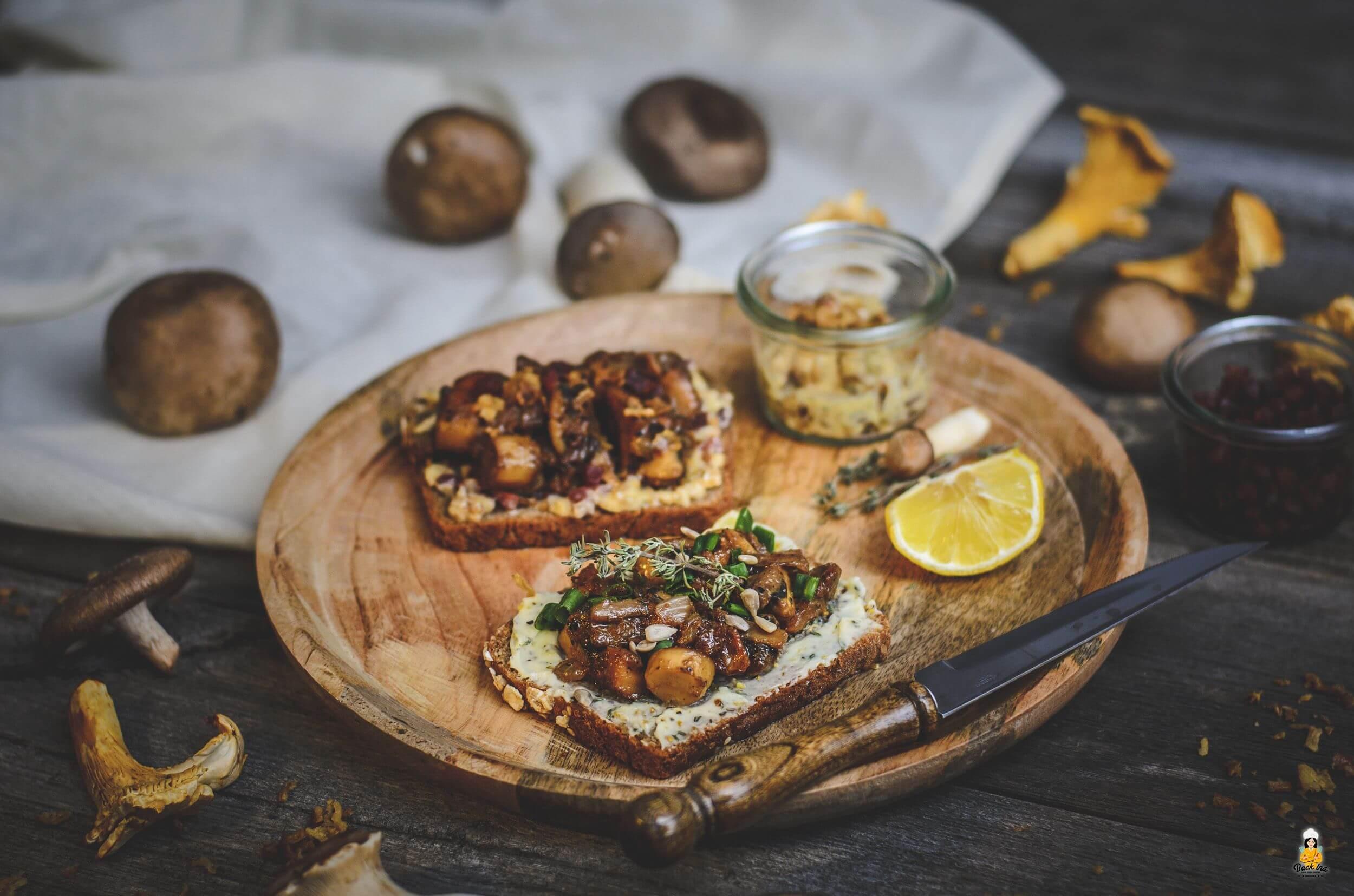 Herbstliche Vorspeise: Butterbrot mit Pilzen auf zweierlei Art