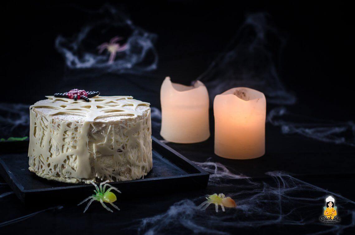 Achtbeinige Überraschung… (Spinnen Torte zu Halloween)