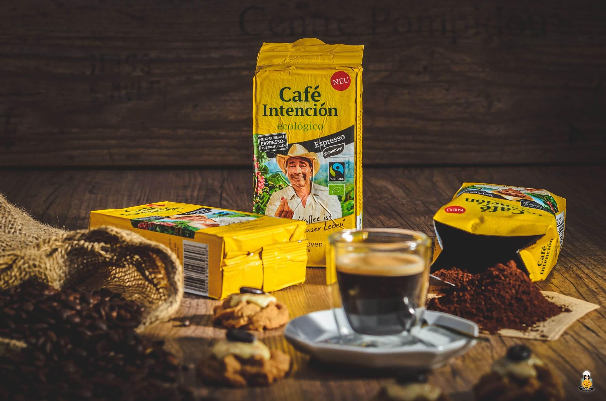 Café Intención und Kaffee-Spritzgebäck als Beilage zum Kaffee