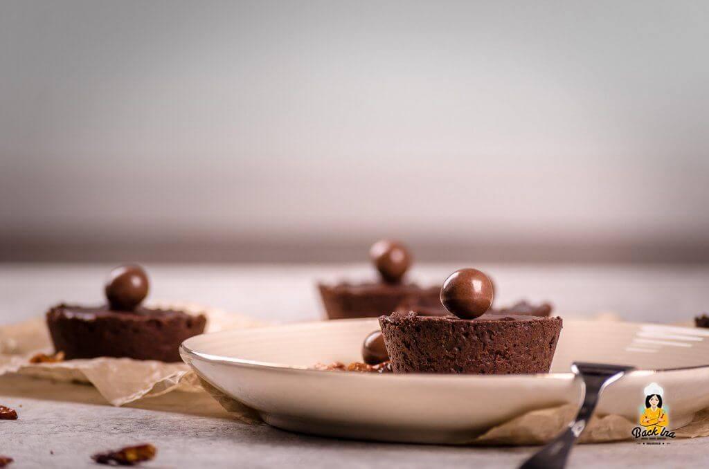 Tartelettes mit Schokolade und Chili - elegantes Dessert oder kleines Teilchen für den Kaffee