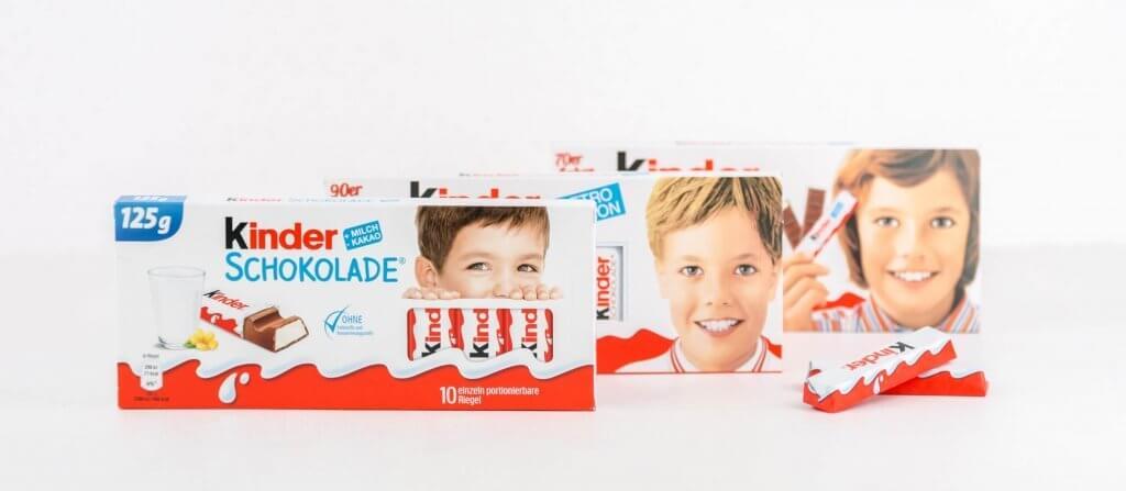 Kinder Schokolade Verpackungen von heute, aus den 90ern und 70ern