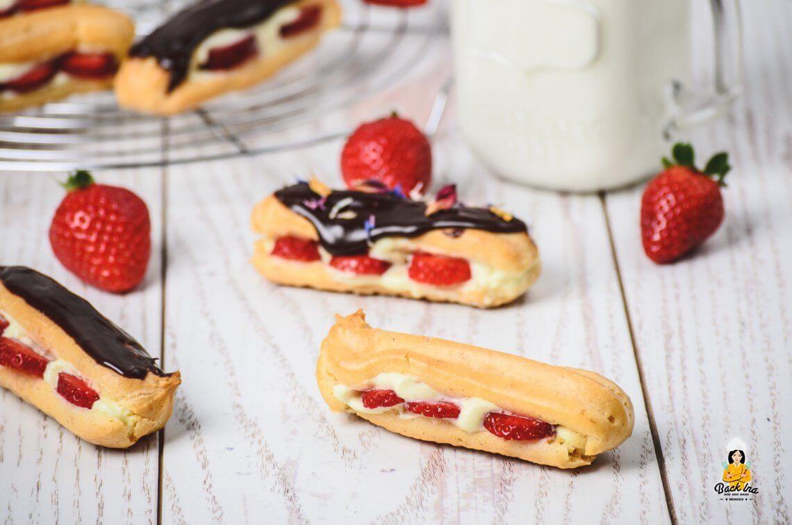 Liebesknochen (Vanille Eclairs mit Erdbeeren und Schokolade)