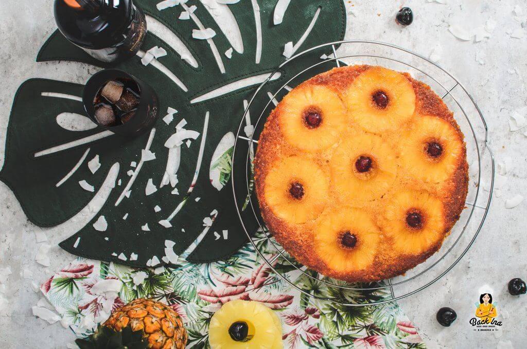 Ananas, Rum und Kokos - der Pineapple Upside Down Kuchen schmeckt nach Urlaub!