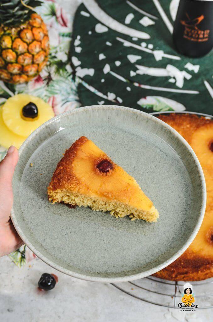 Sommerlich und lecker: Ananas-Rum-Kuchen mit Kokos alias Pineapple Upside Down Kuchen