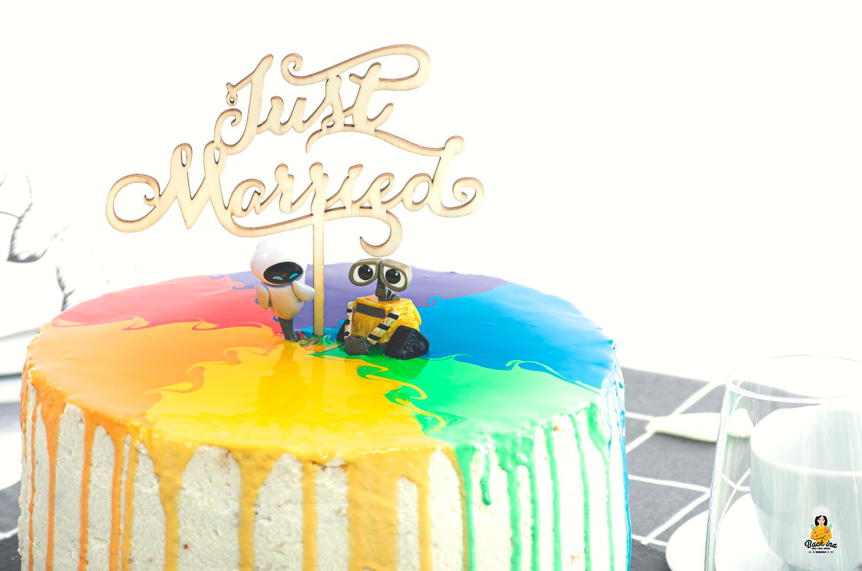 Einfache Regenbogen Hochzeitstorte selber machen