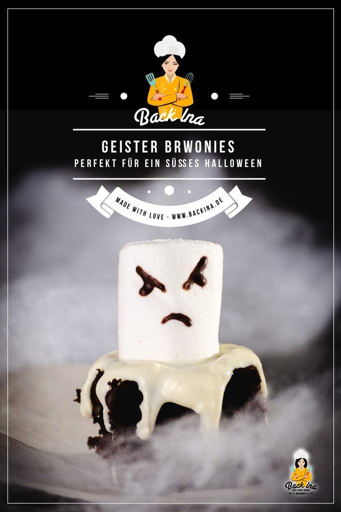 Suchst du eine einfache Back-Idee für Halloween? Die Geister Brownies brauchen nur wenige Zutaten und sind schnell zubereitet. Damit machst du deinen Gästen an Halloween garantiert eine Freude! | BackIna.de
