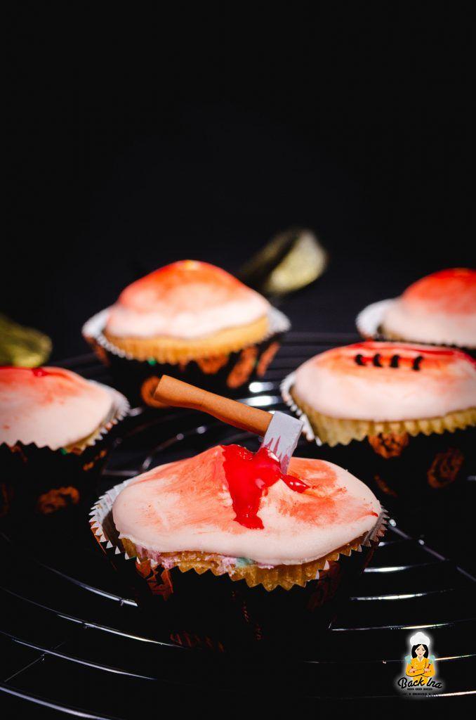 Wund Cupcakes für Halloween: Einfache Süßigkeit fürs Halloween Buffet