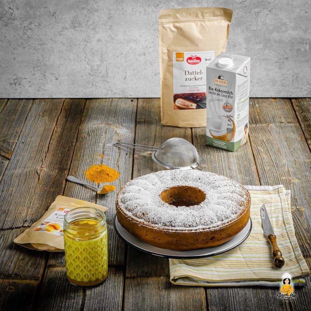 Goldener Milch Kuchen mit Produkten von Keimling Naturkost