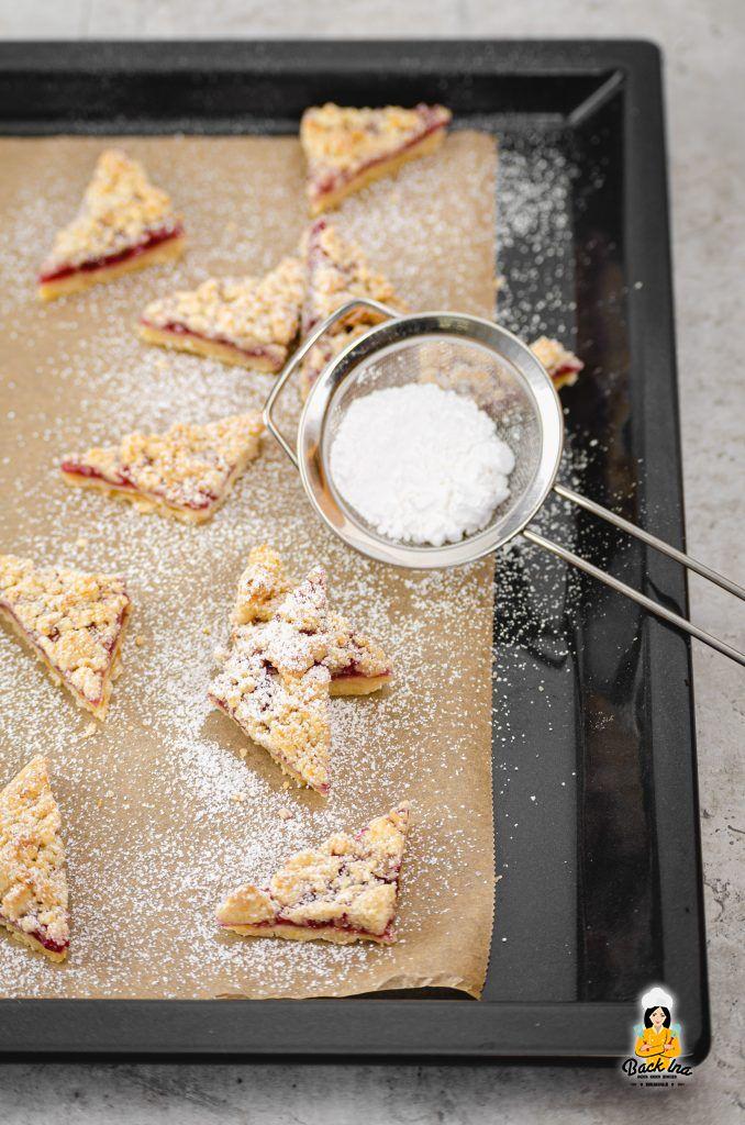 Einfache Plätzchen vom Blech: Streuselplätzchen mit Marmelade und Marzipan
