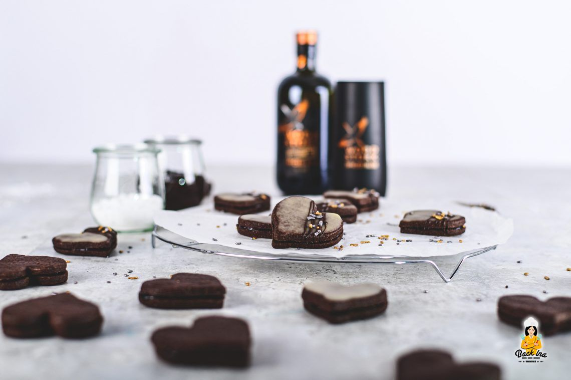 Schokoladige Winterfreude: Schoko-Rumherzen mit Wood Stork Spiced Rum