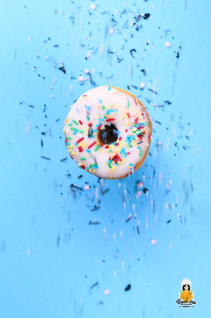 Donut mit Sprinkles - amerikanisches Rezept
