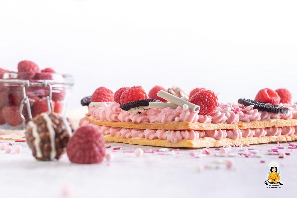 Letter Cake bzw. Number Cake mit Beeren und Oreos