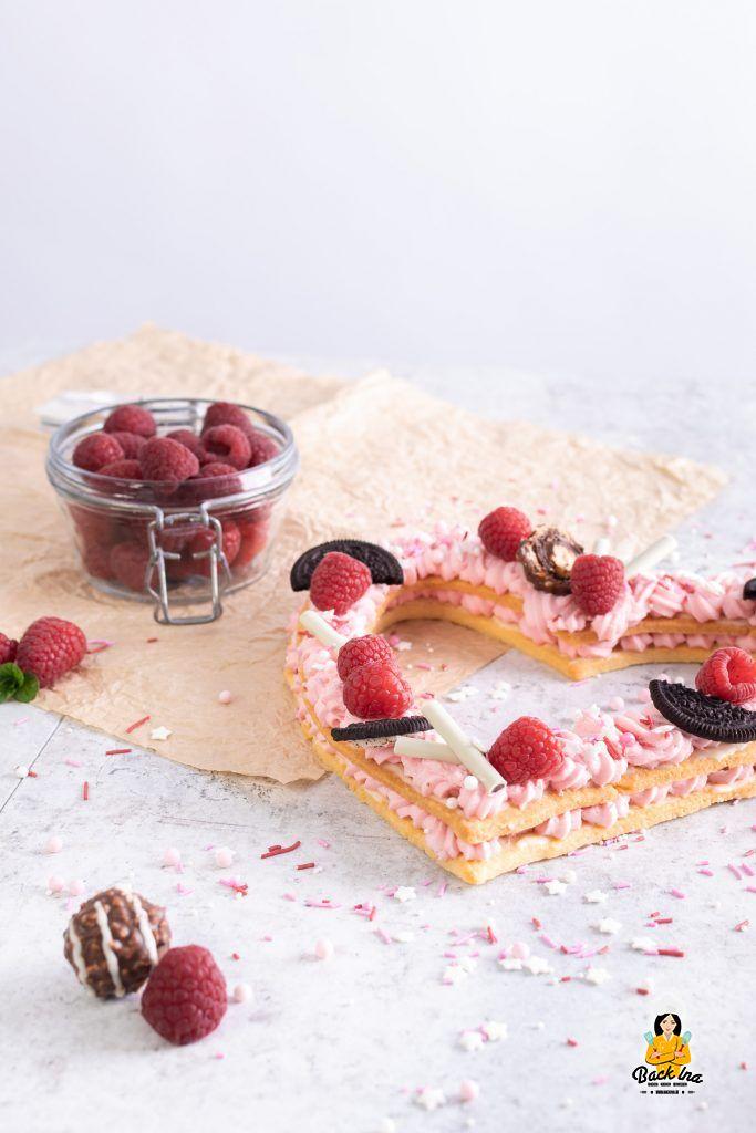 Letter Cake in Form eines Herz - zum Valentinstag oder Muttertag