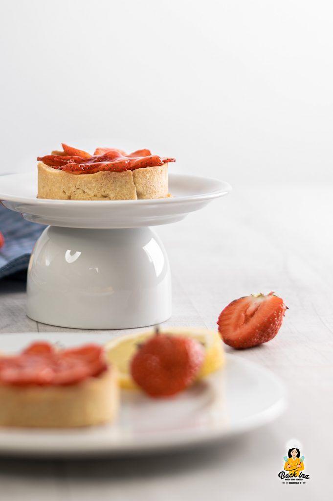 Mürbeteig Tartelettes mit Erdbeeren und Zitrone
