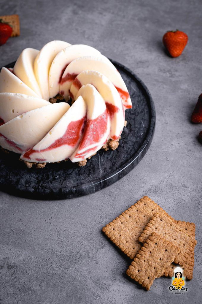 Kühlschranktorte mit Erdbeeren und Joghurt - erfrischendes Sommerdessert