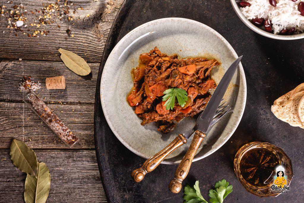 Kubanischer Rindfleischeintopf mit Flanksteak aus dem Dutch Oven