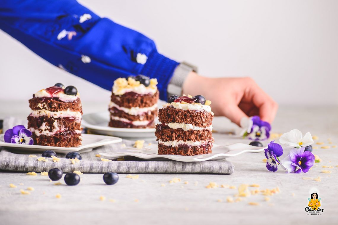 Mini Naked Cakes (Schoko Beeren Törtchen)