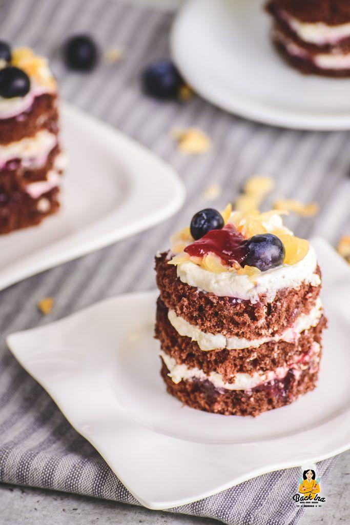Mini Naked Cakes: Individuelle Beeren Schoko Törtchen
