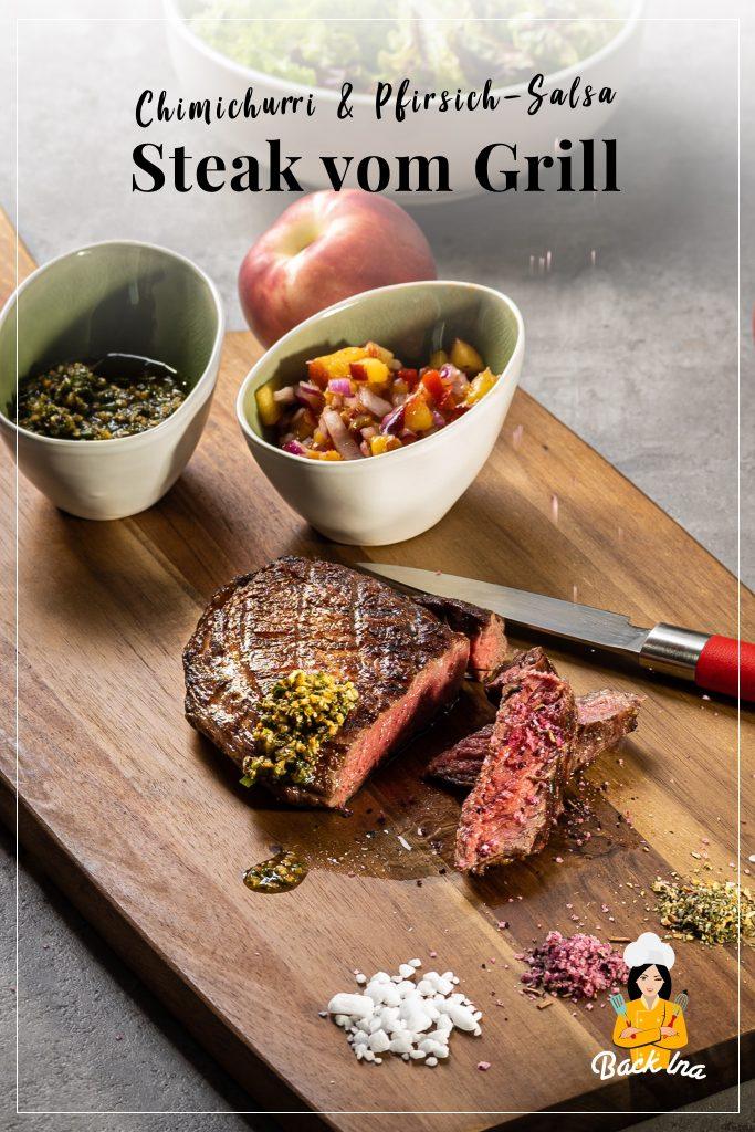 Saftiges Steak mit südamerikanisch inspirierten Saucen: Chimichurri, eine scharfe Kräutersauce, und Pfirisich-Salsa. So lecker! | BackIna.de