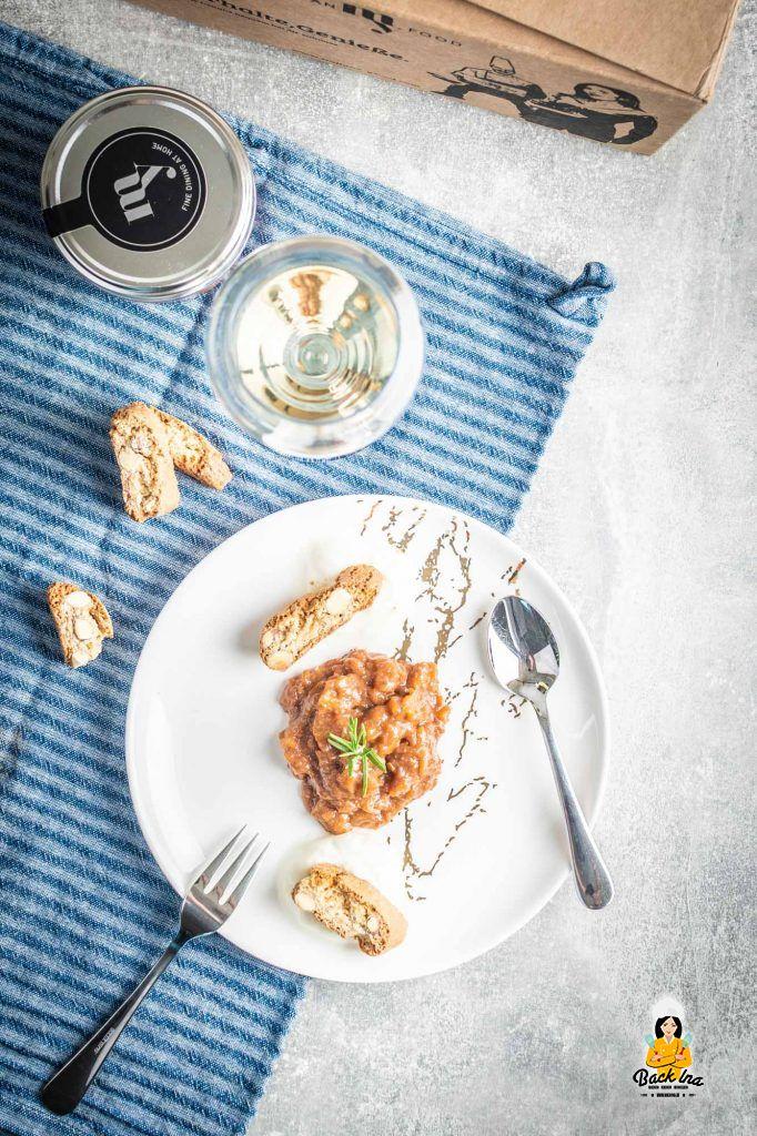 Italienisches Pfirsichkompott mit Amaretti und Kakao
