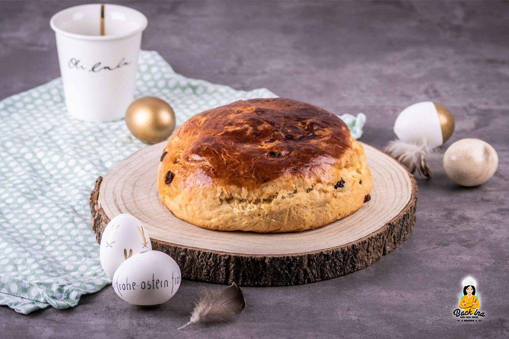Osterbrot mit Rosinen - saftig im Mini Format